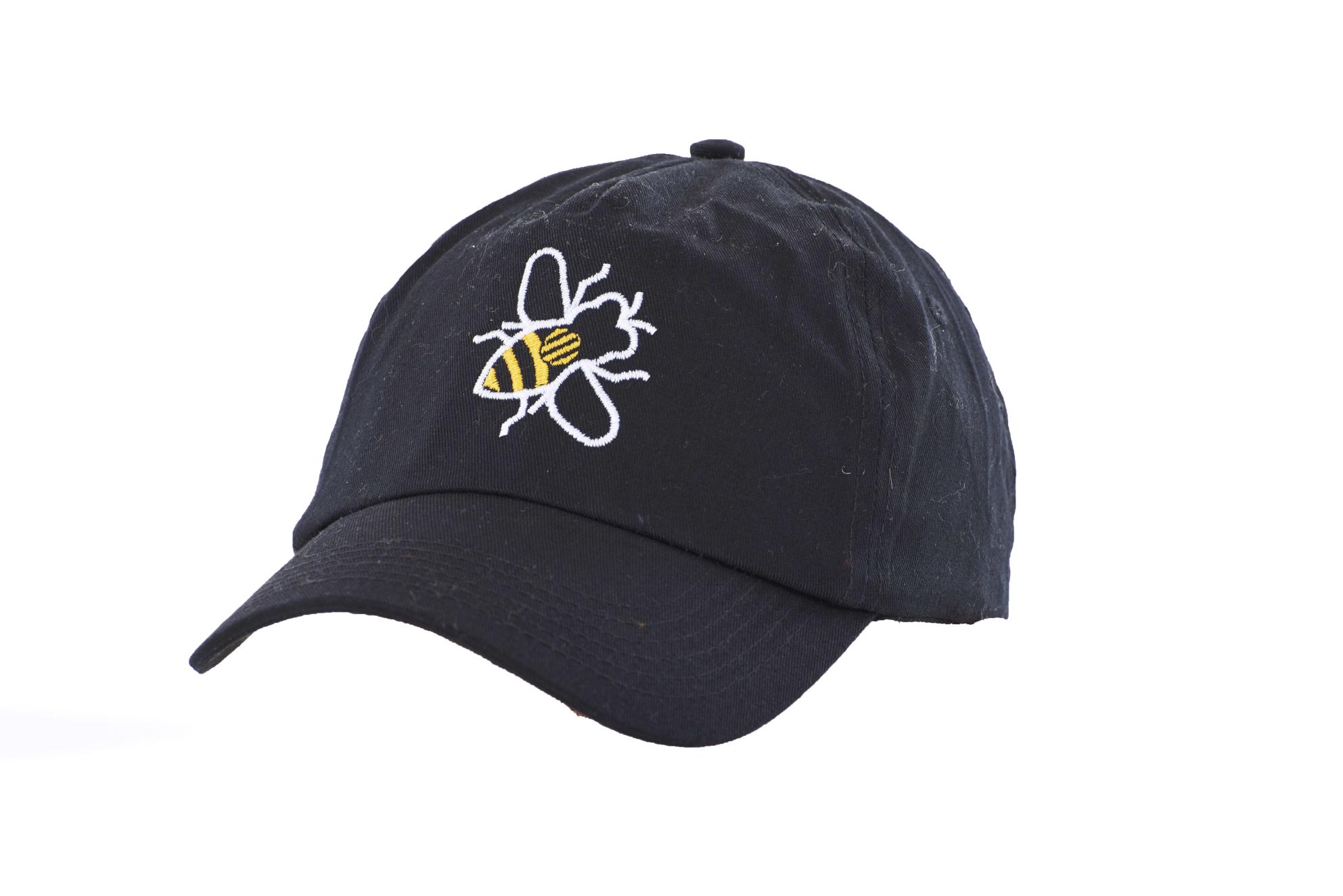 a1bf0d8ae794c9 Black Baseball Cap Simply Bee - Manchester Souvenirs